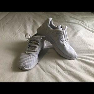 Nike all white tanjun tennis shoes